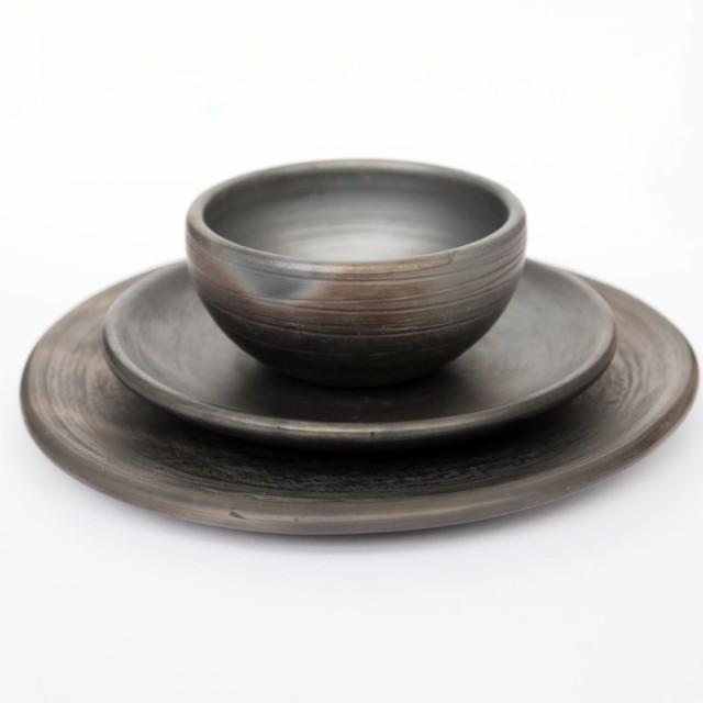 Set of Hand-Thrown Black Raku Dinnerware  sc 1 st  Qrator & Plates u0026 Dinner Plates Sets | Qrator